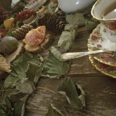 """Allestimento fotografico: """"L'ora del thé"""""""
