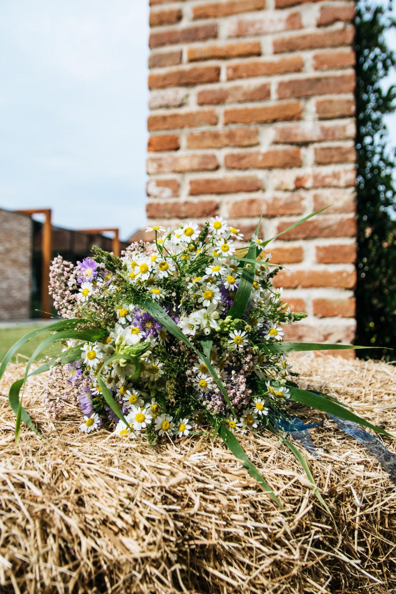 bouquet da sposa shabby con margherite